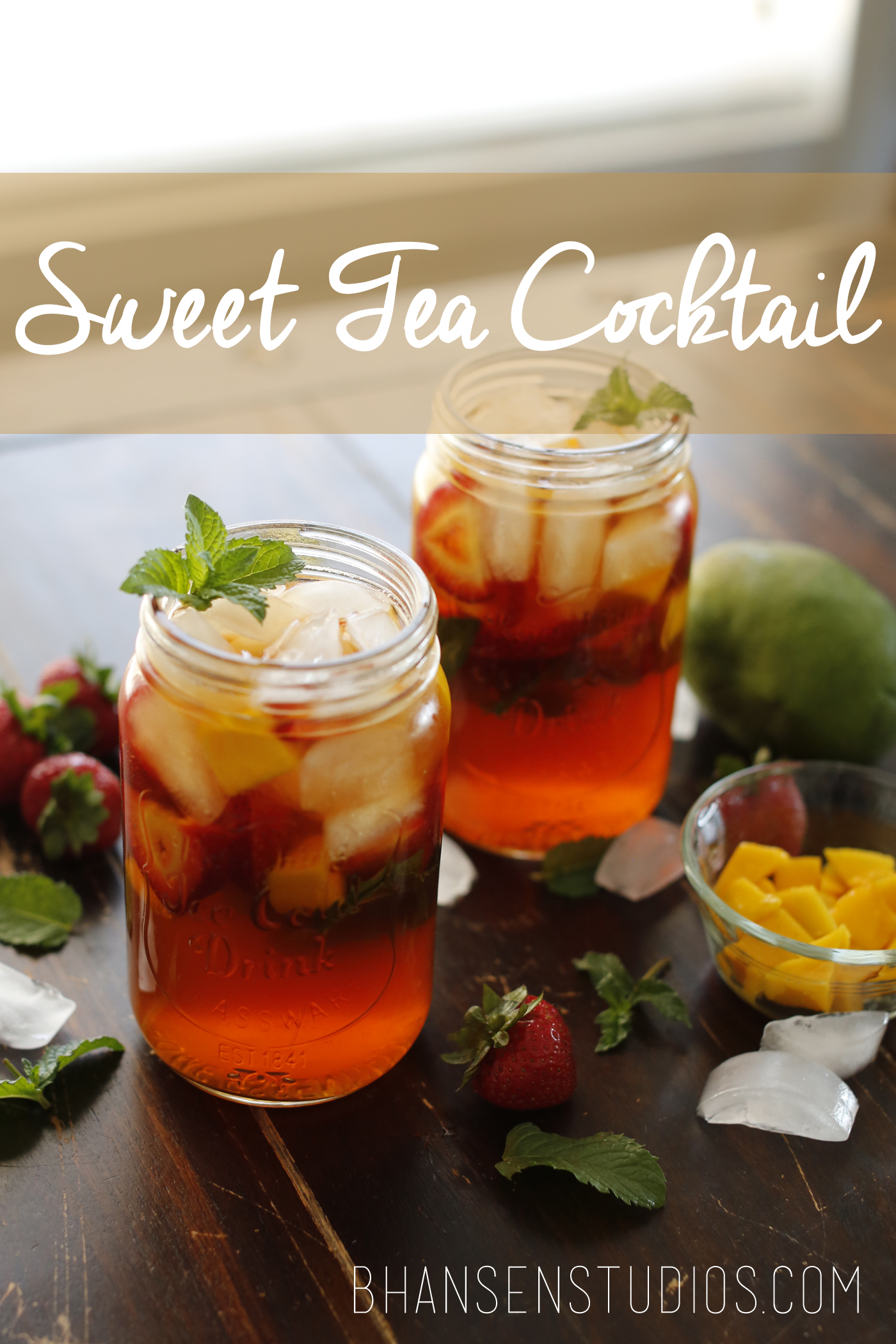 Refreshing summertime sweet tea cocktail